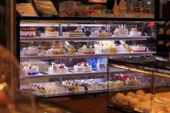 蛋糕裱花培训学员店面图